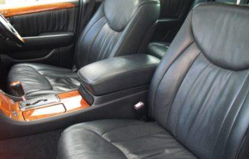 トヨタ セルシオ F30の綺麗になった車内
