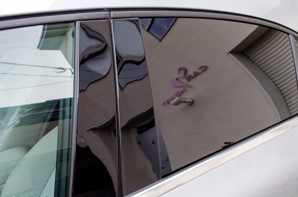 Benz A180にウインコス オートモーティブフィルム GY-15IRを施工しました。