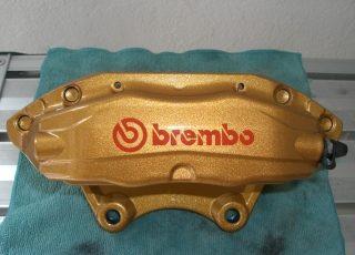 コーティング・クリーニングを施工したブレンボのブレーキキャリパー