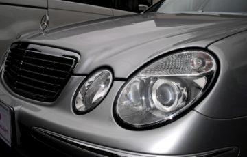 コーティング、フィルム、ダウンサス、ナビ取り付けなどを施工したメルセデス ベンツ E240(W211)