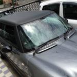 ルーフにカーボンシートを施工したMINI R56