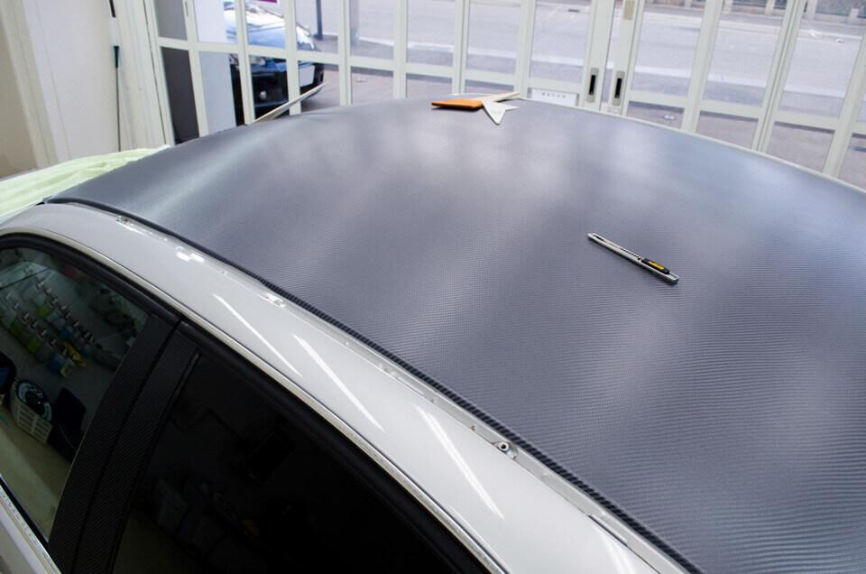 BMW 3 シリーズ E46にカーボンシートを貼り付けした後