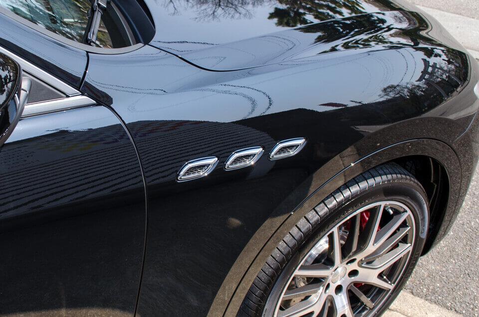 Maserati levanteの装飾パーツ