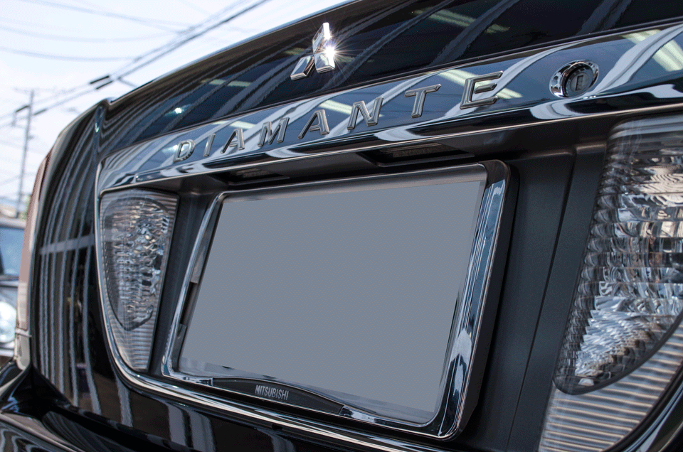 GENESISガラスコーティングを施工した年最終型の三菱ディアマンテ