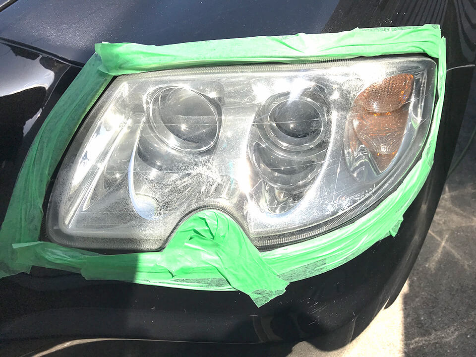 ヘッドライトアクリル樹脂コーティング前のMaserati Quattroporte
