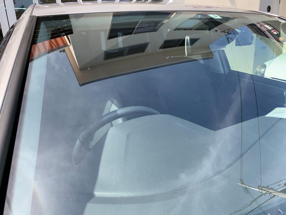 Volkswagen Golfにフロントガラス研磨を施工したあと