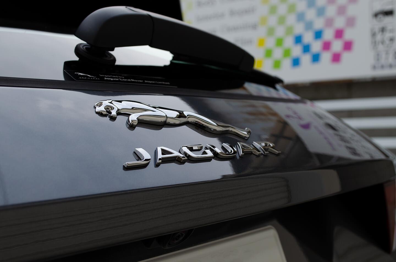 GENESIS STELLA ガラスコーティングとホイールコーティング・ウィンド撥水コーティングを施工した JAGUAR E-PACE