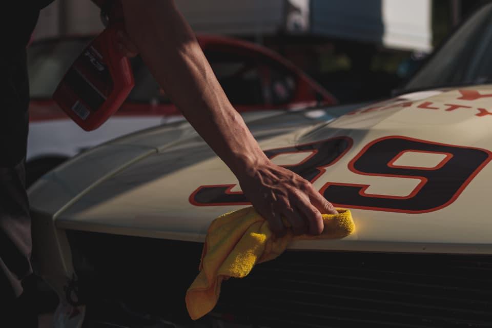 洗車によってイオンデポジットは発生する