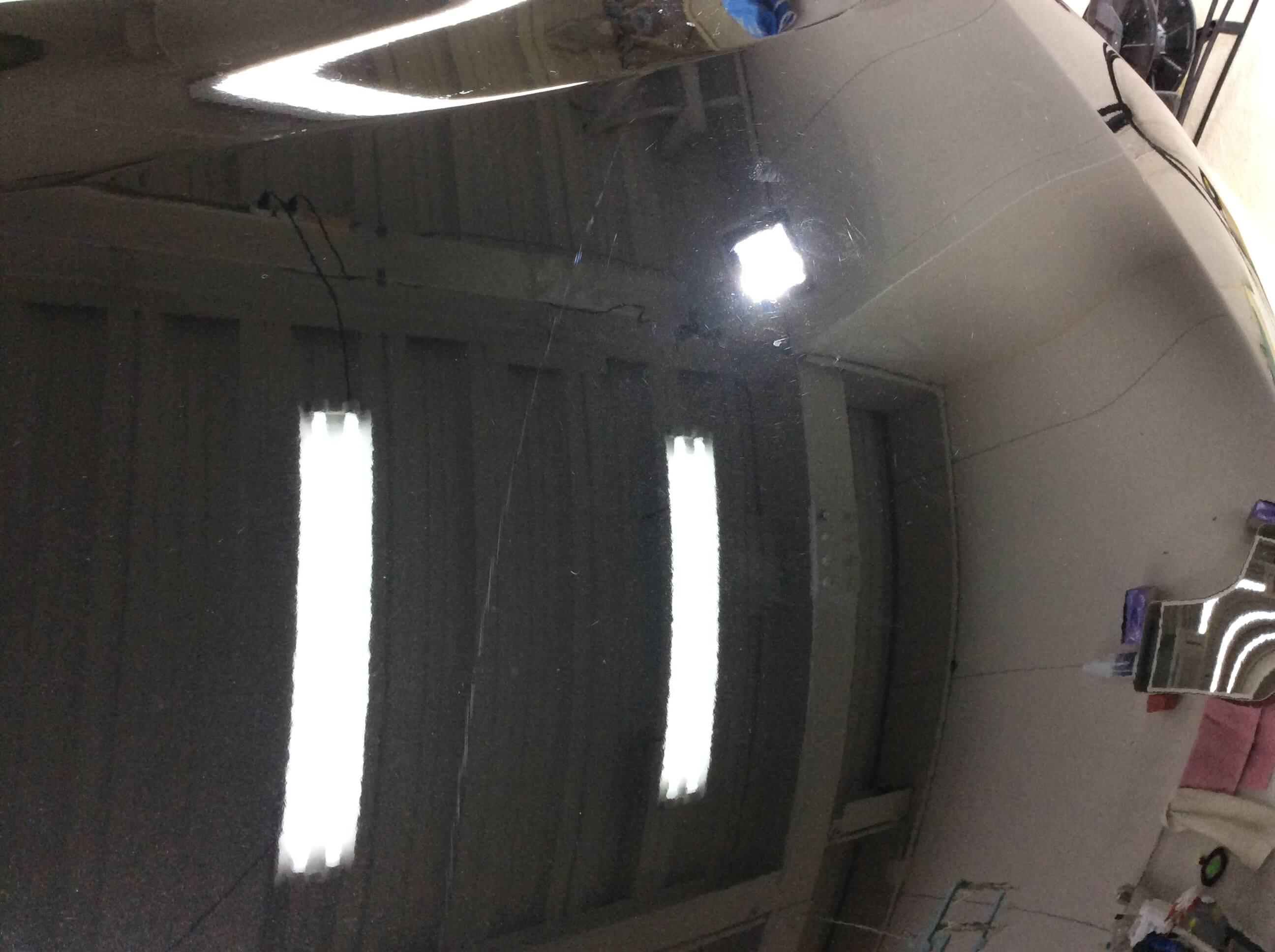 日産 セレナ ダイヤモンドブラック(スクラッチシールド)にコーティングを施工する前のボンネットの状態