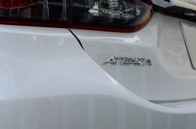 コーティングを施工したマツダ アテンザ スノーフレークホワイトマイカ