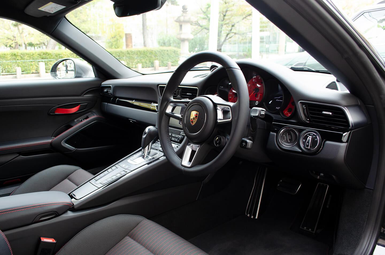 レザーコーティングを施工したPORSCHE 911 Carrera T