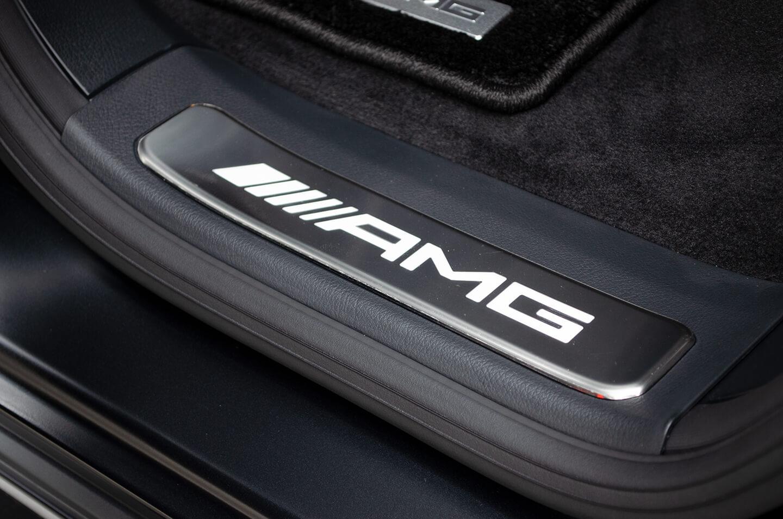 Mercedes-AMG G63 エディションマットブラックのドアステップのプレートにプロテクションフィルムを施工いたしました