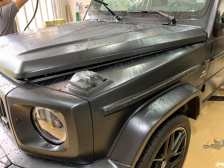 Mercedes-AMG G63 エディションマットブラックを洗っているところ