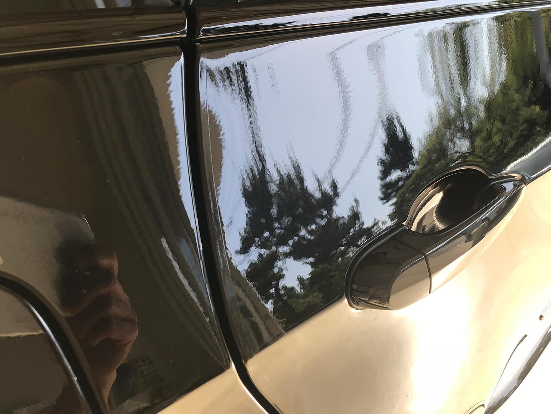 BMW X5 xDrive 35d blueperformanceのドアエッジ