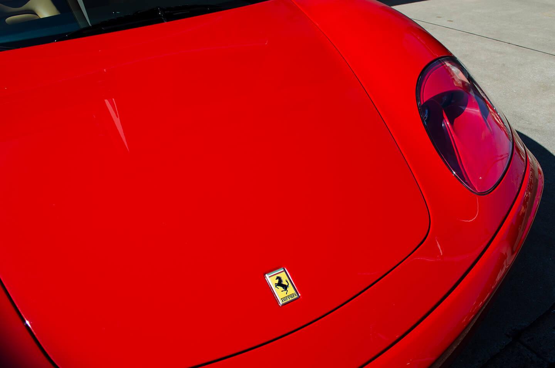 コーティングを施工した360モデナ(フェラーリ)のボンネット