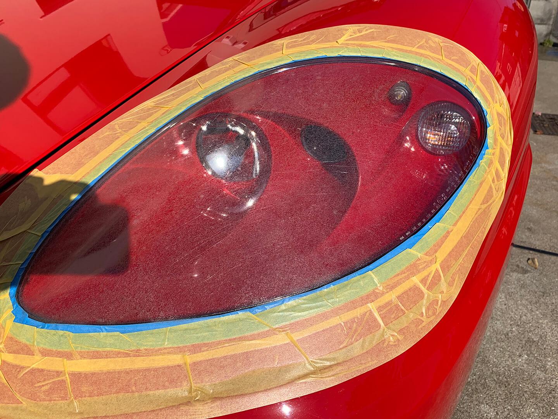 コーティング前の360モデナ(フェラーリ)のヘッドライト