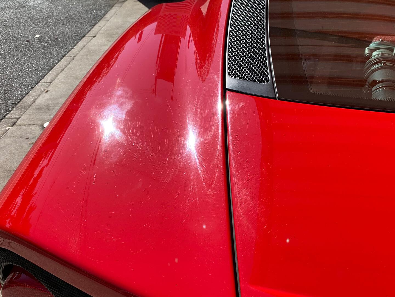 コーティング前の360モデナ(フェラーリ)のボディにあったダメージ