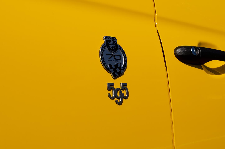 コーティングを施工した アバルト 595 コンペティツィオーネ Giallo Modena