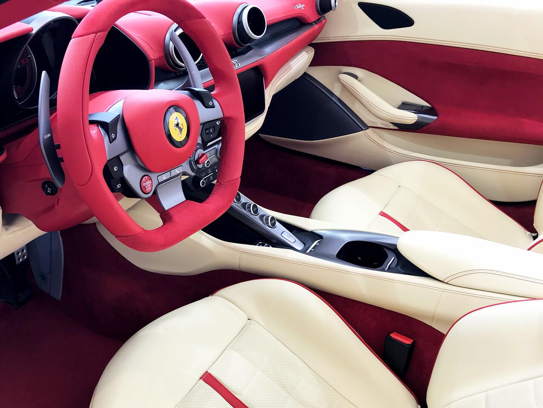 コーティングを施工したフェラーリ ポルトフィーノのインテリア
