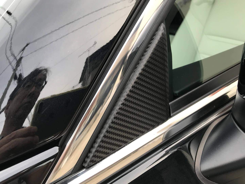 CX-8のAピラーにカーボンラッピングを施工しました