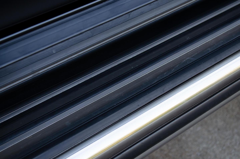 プロテクションフィルムを施工したメルセデス AMG G63 マットブラックのサイドステップ