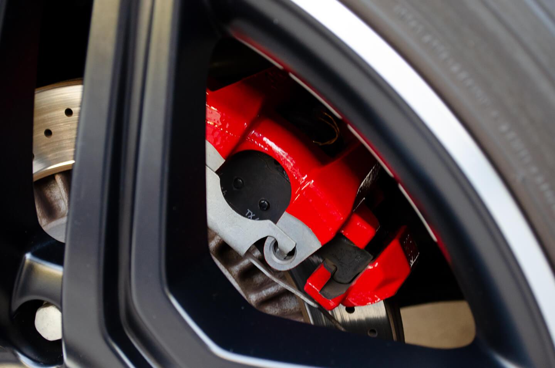 コーティングを施工したメルセデス AMG G63 マットブラックのキャリパー