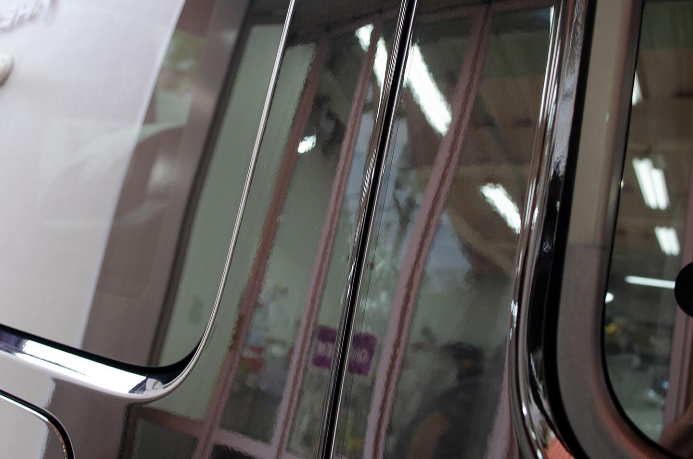 プロテクションフィルムを施工したメルセデス AMG G63 オブシディアンブラック のドアエッジ