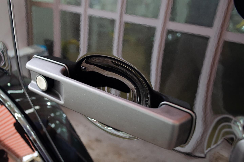 プロテクションフィルムを施工したメルセデス AMG G63 オブシディアンブラック のドアハンドル