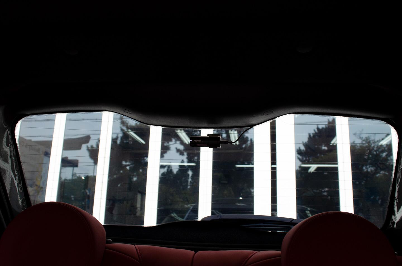 フィルムを施工したアバルト 595の室内からの視認性