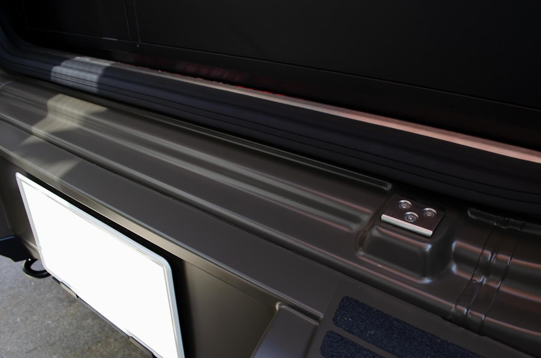 プロテクションフィルムを施工したMercedes-AMG G63 manufakur edition brabus Customのリアバンパーゲートステップ