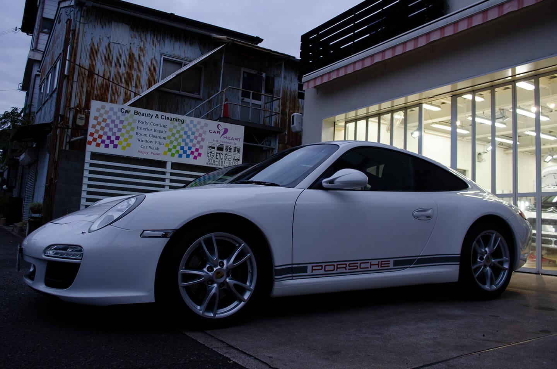 ポルシェデカールを施工したポルシェ 911 カレラ(type997)