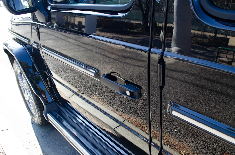 プロテクションフィルムを施工したメルセデス・ベンツ G350d のドアエッジ・ドアハンドル(ドアカップ)