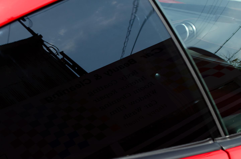 断熱スモークフィルム GY-3IRを施工後のフェラーリ ポルトフィーノ