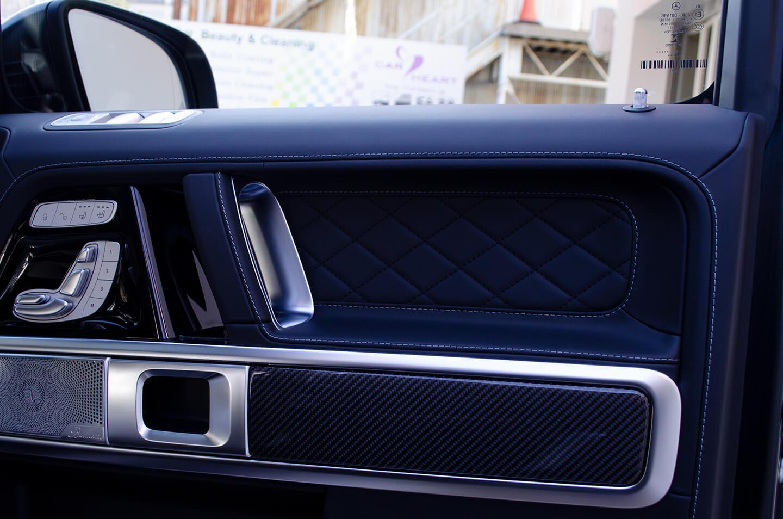 コーティング施工したMercedes-AMG G63 マグノナイトブラックのドアトリム