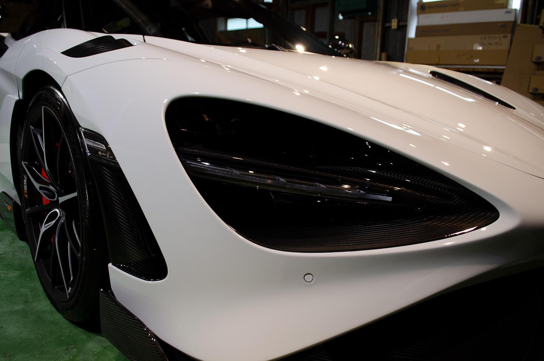 コーティングを施工したマクラーレン 765LT スモークド ホワイト