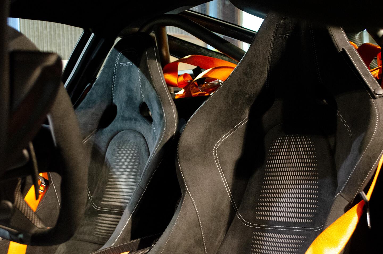 コーティングを施工したマクラーレン 765LTのシート